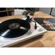 Sonoro Platinum Blanc - Platine vinyle Bluetooth élégante et contemporaine