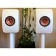 KEF LS50 Wireless Blanc Brillant / Cuivre - Découvrez les enceintes LS50 Wireless au showroom