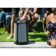 Soundcast VG7 - Sa poignée de transport et sa batterie intégrée permet de la déplacer facilement