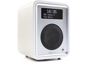Les connectiques : Une entrée audio analogique mini-jack, une prise casque et une prise de recharge USB