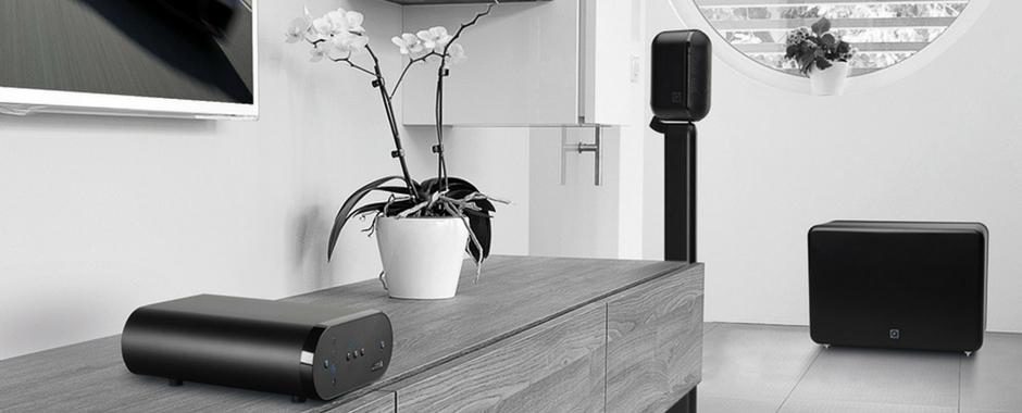 Q Acoustics Media 7000 2.1 : Un pack d'enceintes compactes, caisson de basses et ampli Bluetooth